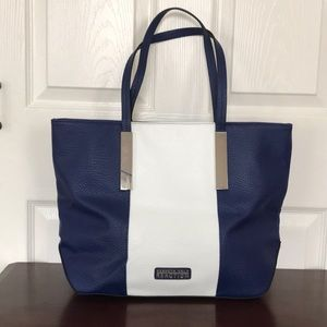 KENNETH COLE REACTION   Globe Trotter Tote
